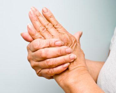 boląca dłoń