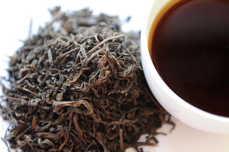 Mocna herbata w filiżance