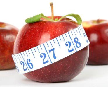 jabłko opasane centymetrem